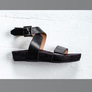 Revitalign Swell Sandals! Black, Sz. 8!  New!